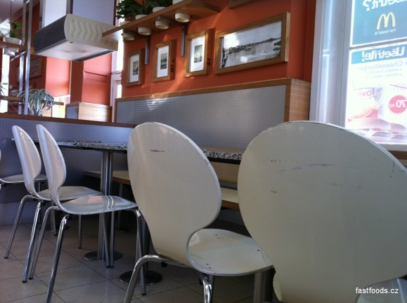 McDonalds pražská Holešovická tržnice praha 7