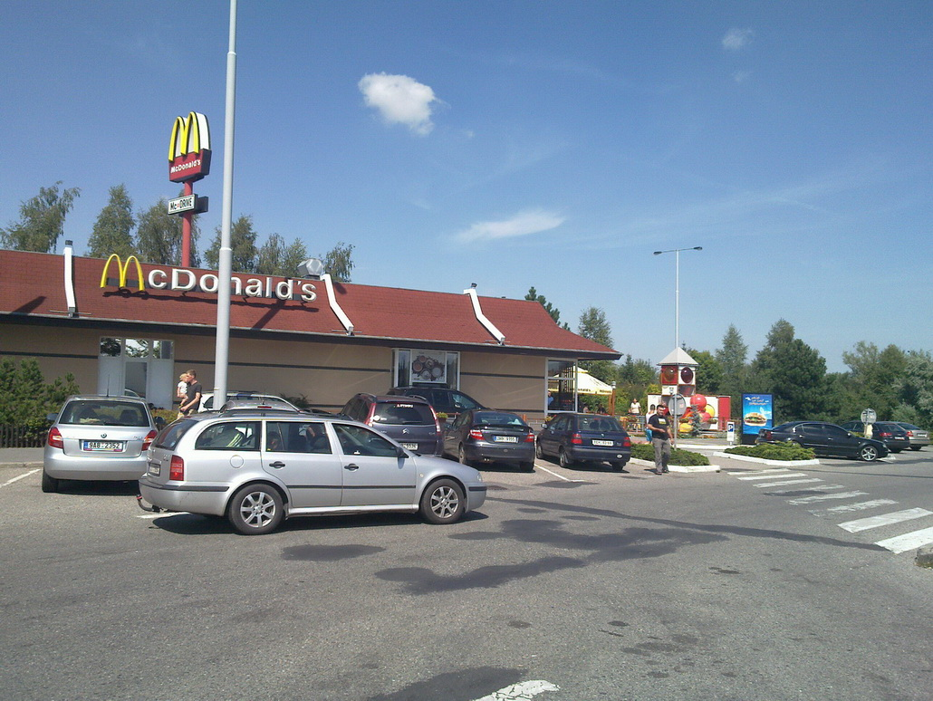 fast food mcdonalds rudna