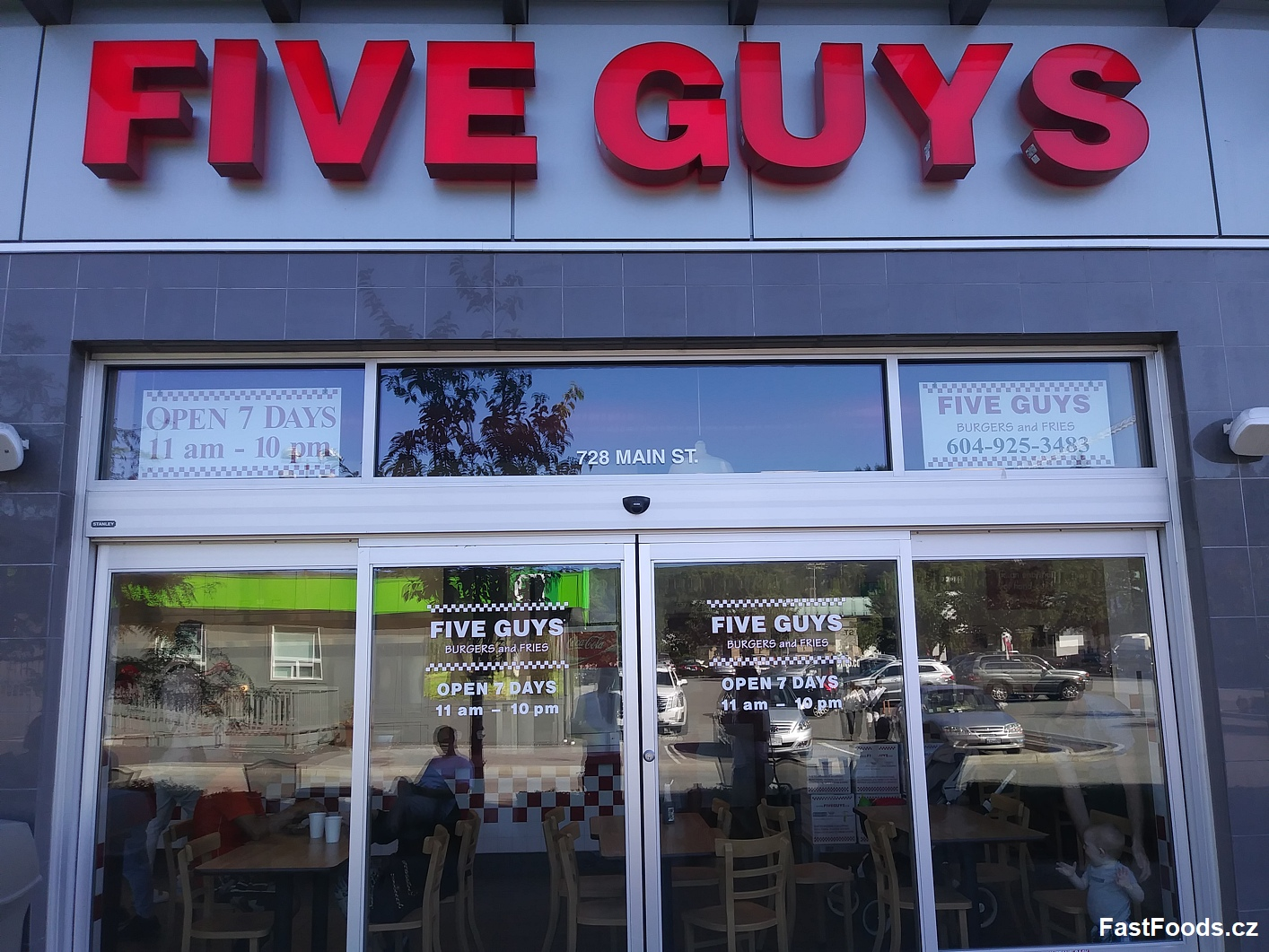 Five Guys - Park Royal Shopping Centre, 728 Main Street, West Vancouver, Kanada